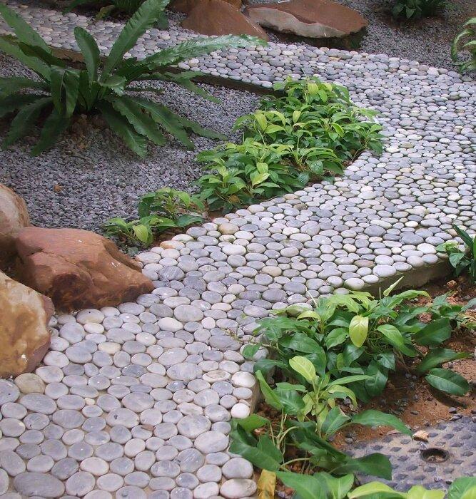 Изысканная простота гальки украсит любой ландшафт. /Фото: images.freeimages.com