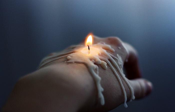 Не торопитесь выбрасывать старые свечи. /Фото: get.pxhere.com