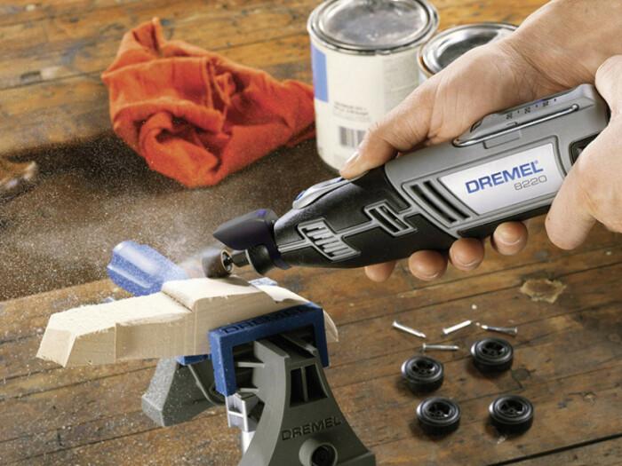 Иногда для работы с гравером требуется дополнительное самодельное оборудование. /Фото: static.daydeal.ch