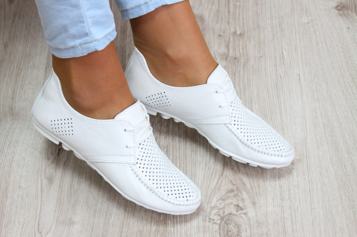 Дезинфицирующие спреи помогут убить все микробы на внутренней части обуви. /Фото: sovet.website