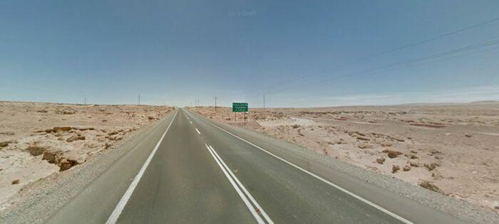 Дорогу делает опасной единообразный пейзаж на протяжении трех сотен километров. /Фото: dangerousroads.org