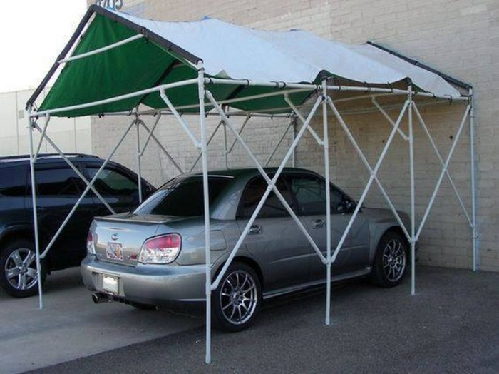 Монтаж навеса из труб ПВХ не вызывает особых трудностей. /Фото: recycledcraftsy.com