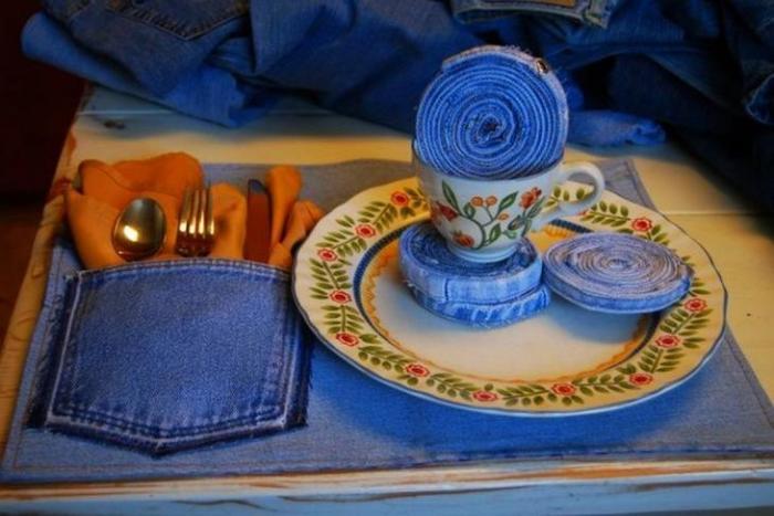 Джинсовая ткань пригодится везде, даже на кухне. /Фото: 4.404content.com