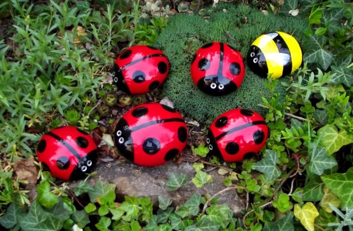 Оригинальное решение для любой грядки или клумбы. /Фото: a.allegroimg.com