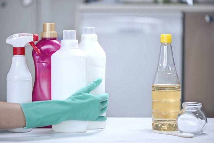 Полезный лайфхак для каждого дома — постоянно иметь бутылочку уксуса. /Фото: archidea.com.ua