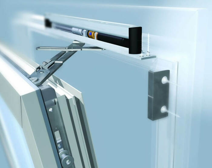 Важно перед ремонтом защищать пластиковые окна от строительной пыли. /Фото: winstyle.by