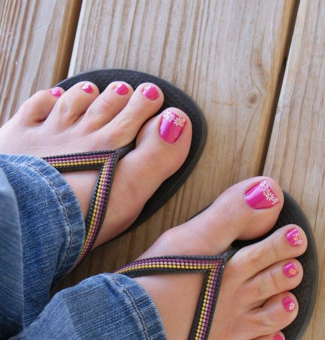Интересно, как люди будут носить вьетнамки без пальцев ног. /Фото: dramaqueenseams.files.wordpress.com