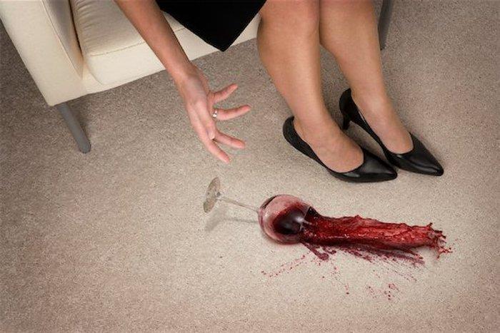 Красное вино на ковре – не приговор. /Фото: theblogtree.com
