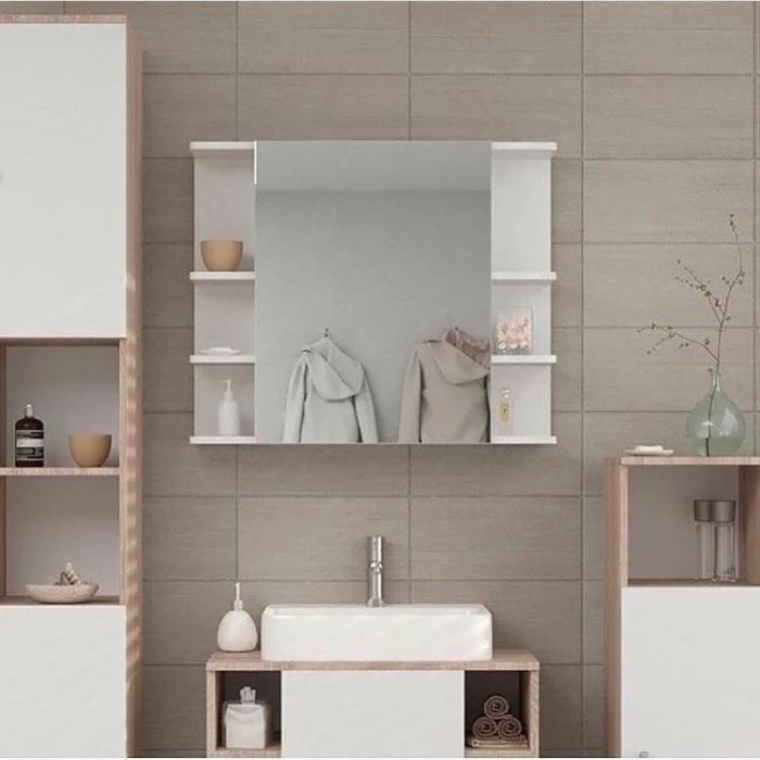 Шкафчик практичнее, чем просто зеркало. /Фото: images.ua.prom.st