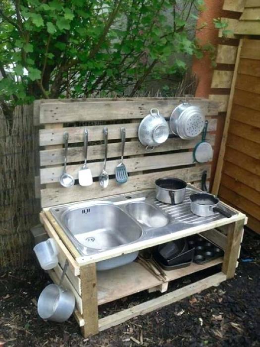 Маленькая кухня прямо на даче. /Фото: njbiascrime.org