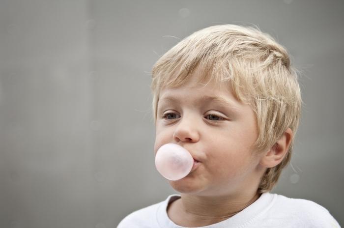 Жевательная резинка выйдет из организма человека за неделю. /Фото: gazeteyeniyuzyil.com