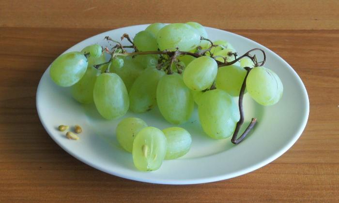 Не понятно зачем, но если захочется разогреть виноград — лучше не стоит. /Фото: diet-health.info