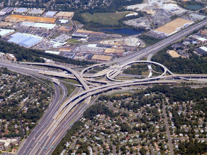 Через Springfield Interchange проходит до полумиллиона автомобилей каждый день. /Фото: upload.wikimedia.org