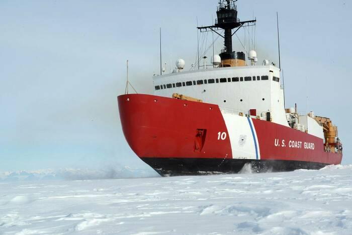 Ледокол Polar Star во льдах Антарктики. /Фото: topwar.ru