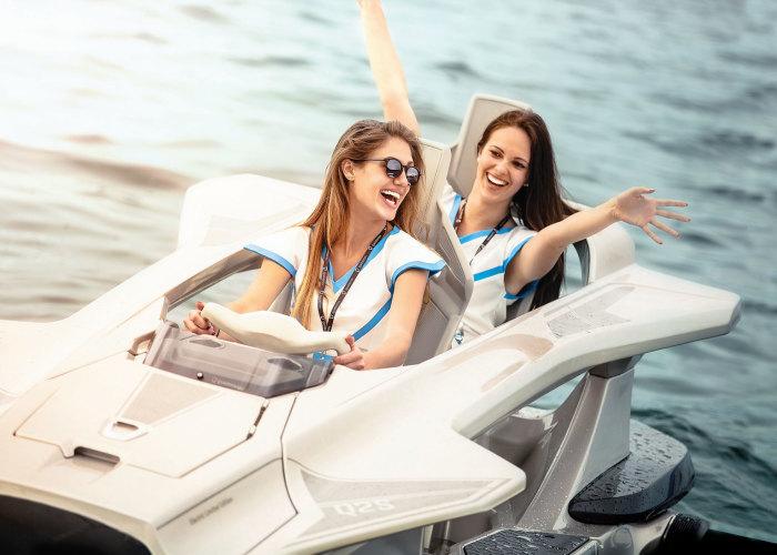 Летающий катер легок в управлении. /Фото: ireviews.com