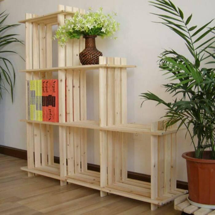 Из простых досок или ящиков можно сделать довольно стильную конструкцию для цветов. /Фото: derestauratiekamer.nl