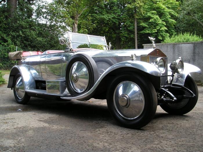 Автомобиль Silver Ghost — с него все началось. /Фото: motorglobe.org