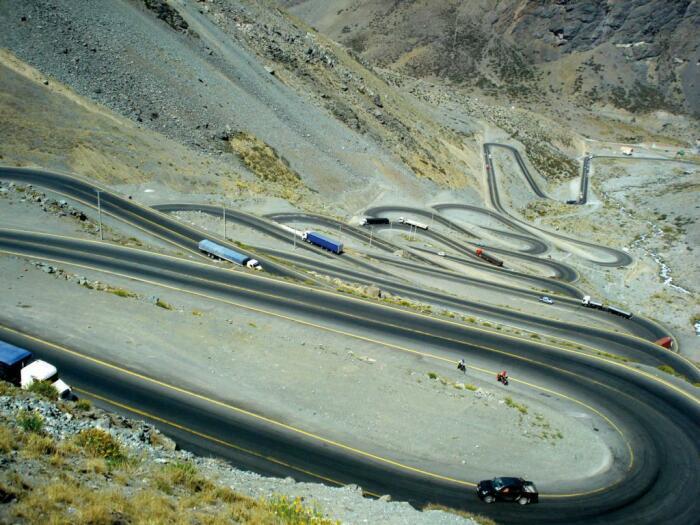 «Змеиный путь» требует от водителей особого внимания за рулем. /Фото: elsol-compress.s3-accelerate.amazonaws.com