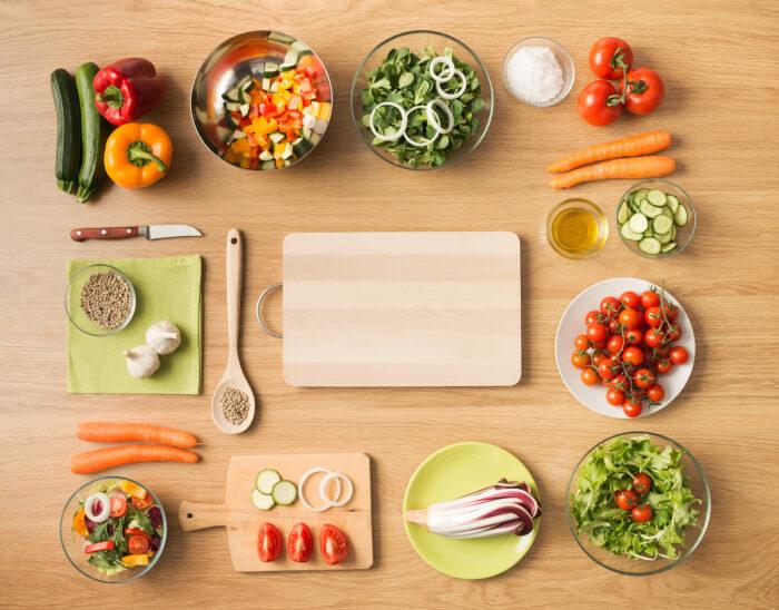 Некоторые продукты можно подготавливать заранее, но некоторые — категорически нет. /Фото: fona.com