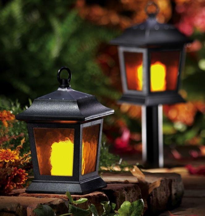Таймеры на осветительных приборах помогут создать видимость обитаемого дома. /Фото: i.pinimg.com