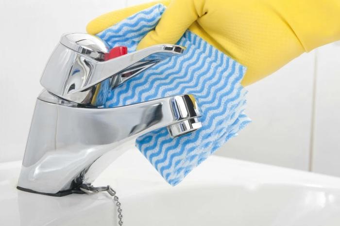 Лимонный сок — отличное средство для чистки кранов. /Фото: avatars.mds.yandex.net
