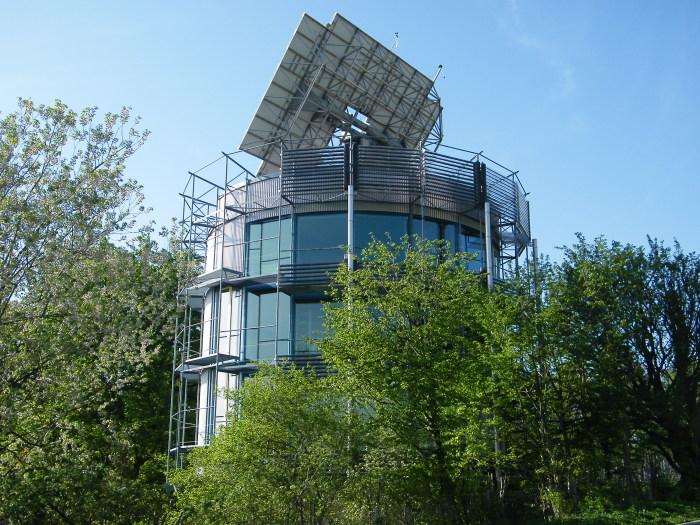 Дом-гелиотроп полностью вписывается в каноны зеленой энергетики и экологические концепции. /Фото: studyvisitfriburgo.it