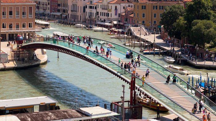 Мост Конституции в Венеции. /Фото: a57.foxnews.com