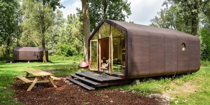 Необычный модульный дом, который можно перевезти за один день. /Фото: media-exp1.licdn.com