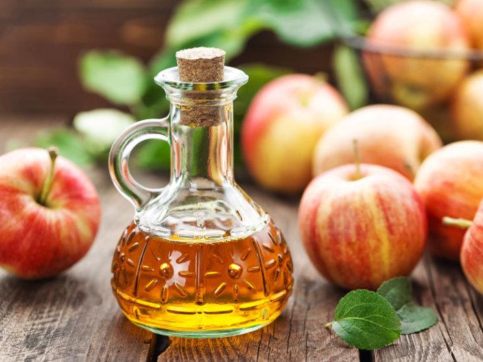 Различные виды уксусов позволяют разнообразить вкус блюд. /Фото: images-prod.healthline.com