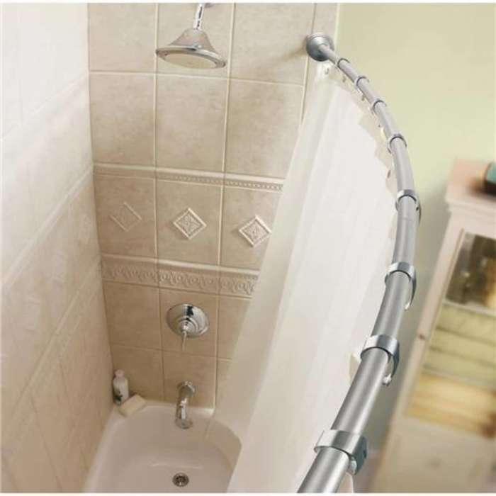 Важно позаботиться о безопасности всех предметов в ванной комнате. /Фото: ssmscdn.yp.ca