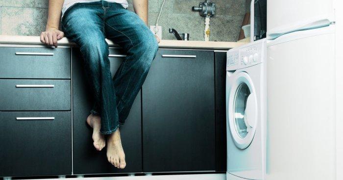 Стирать джинсы нужно, применяя особый секрет. /Фото: playboy.de