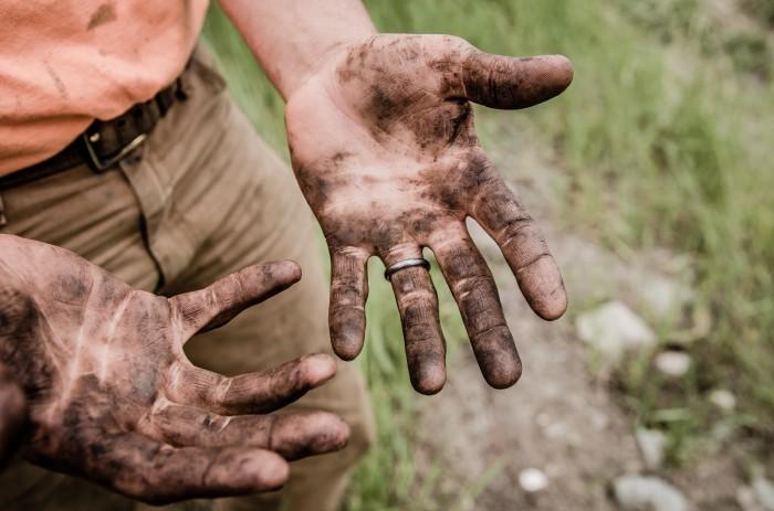Негде помыть руки – не беда. /Фото: cdn-images-1.medium.com