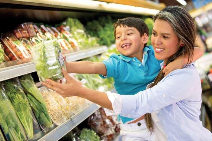 Предпочесть овощи чипсам – отличное решение. /Фото: cdn.tampabaymetro.com
