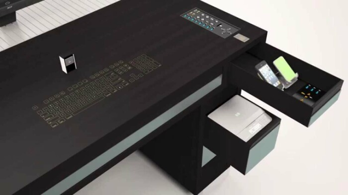 За таким столом приятно и комфортно работать, а уровень инновационности просто зашкаливает. /Фото: i.ytimg.com