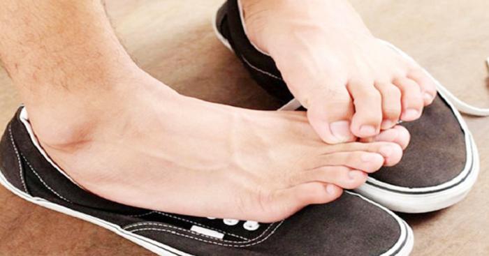 Улучшить внешний вид обуви можно даже без похода в магазин, подручными средствами. /Фото: lh3.googleusercontent.com