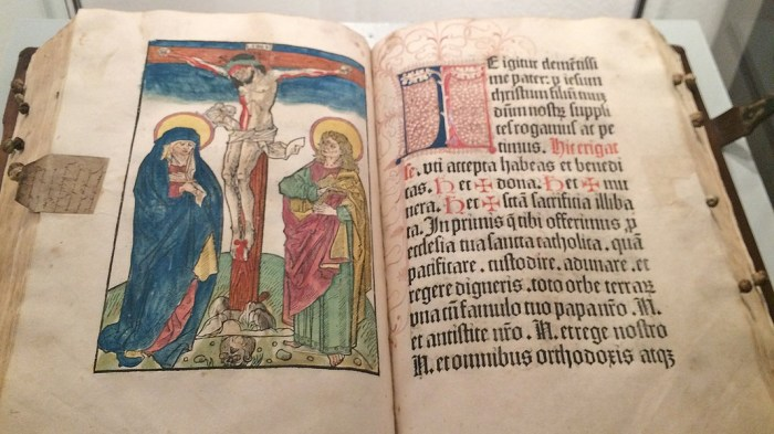Библия. /Фото: ndr.de
