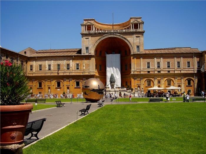 Ватикан – крупный музейный комплекс. /Фото: traveldigg.com