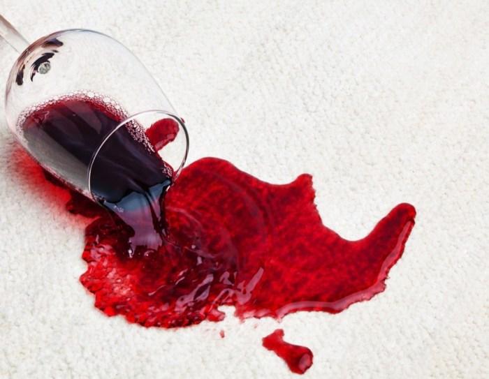 Даже пятна от вина на ковре не страшны с этим лайфхаком. /Фото: i1.wp.com