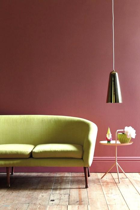 Пыльный розовый — идеальный фон для насыщенного лимонного оттенка. /Фото: pelgrimbv.nl