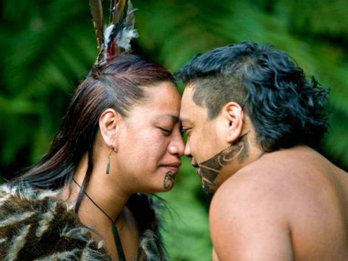 В Новой Зеландии традиционное приветствие поражает своей поэтичностью и романтизмом. /Фото: portustravel.tur.ar