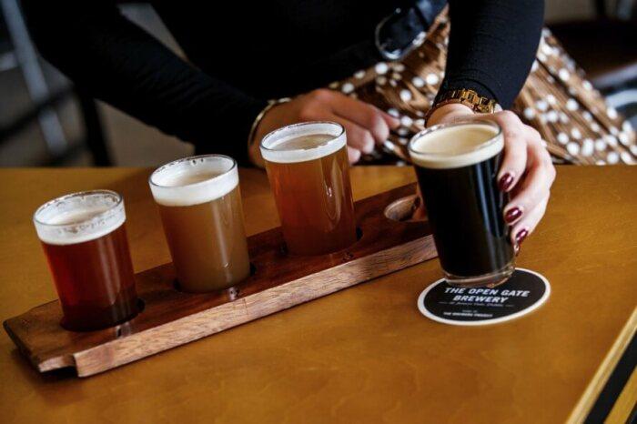 В экскурсию входит и дегустация пива. /Фото: guinness-storehouse.com