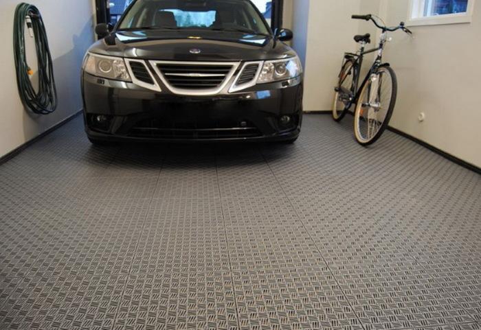 Даже в гараже нужно следить за чистотой и красотой обстановки. /Фото: img.aviarydecor.com