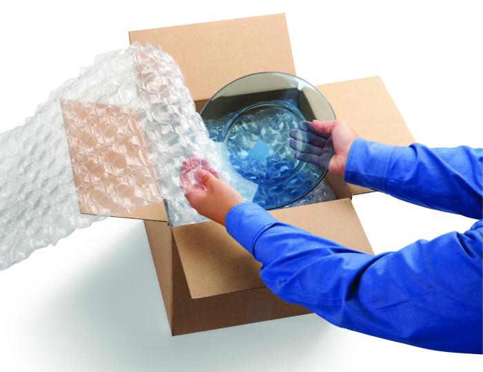 Правильная упаковка стеклянной посуды — залог ее сохранности при переезде. /Фото: verticaluae.com