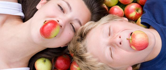 Яблоки бывают разные: сочные, зеленые, красные. Но все одинаково полезны и хороши. /Фото: img.webmd.com