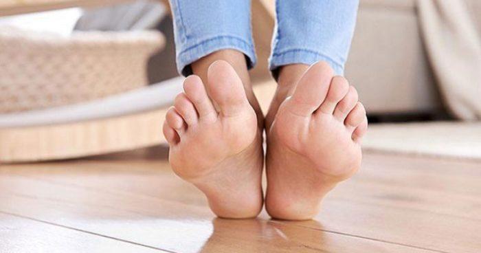 Чтобы ножки были красивыми, о них нужно заботиться должным образом. /Фото: tabeshekosar.ir
