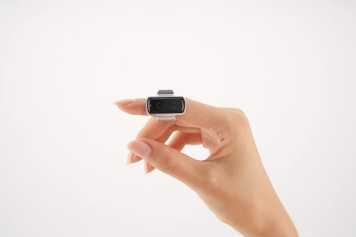 Пальцевая мышь особенно удобна в поездках. /Фото: techiwant.com