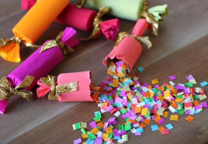 Чтобы отпраздновать новый год с шиком, не лишним будет использовать конфетти собственного производства. /Фото: i.pinimg.com