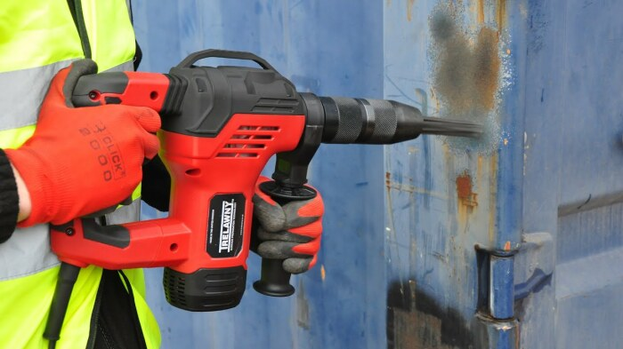 Очень полезное устройство, которое значительно экономит время при чистке различных предметов. /Фото: i.ytimg.com