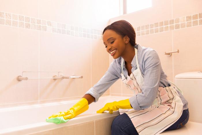 Ванная комната требует особенно тщательной дезинфекции. /Фото: sparkleandshine.today