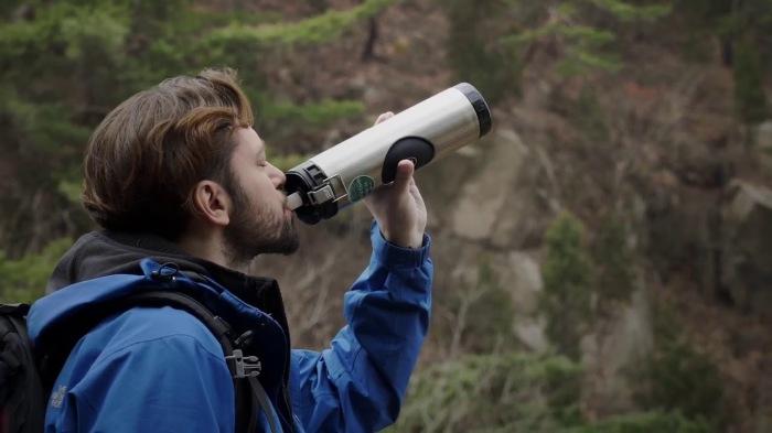 Незаменимая в походе вещь, которая пригодится любому любителю активного отдыха. /Фото: i.ytimg.com